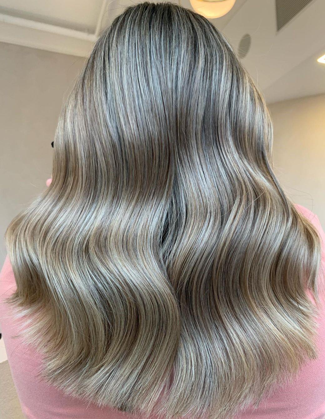 Metallic Blonde Full Highlights