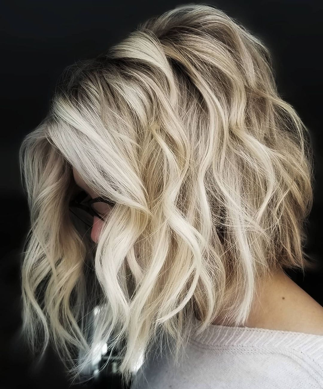 Light Blonde Short Hair with Waves