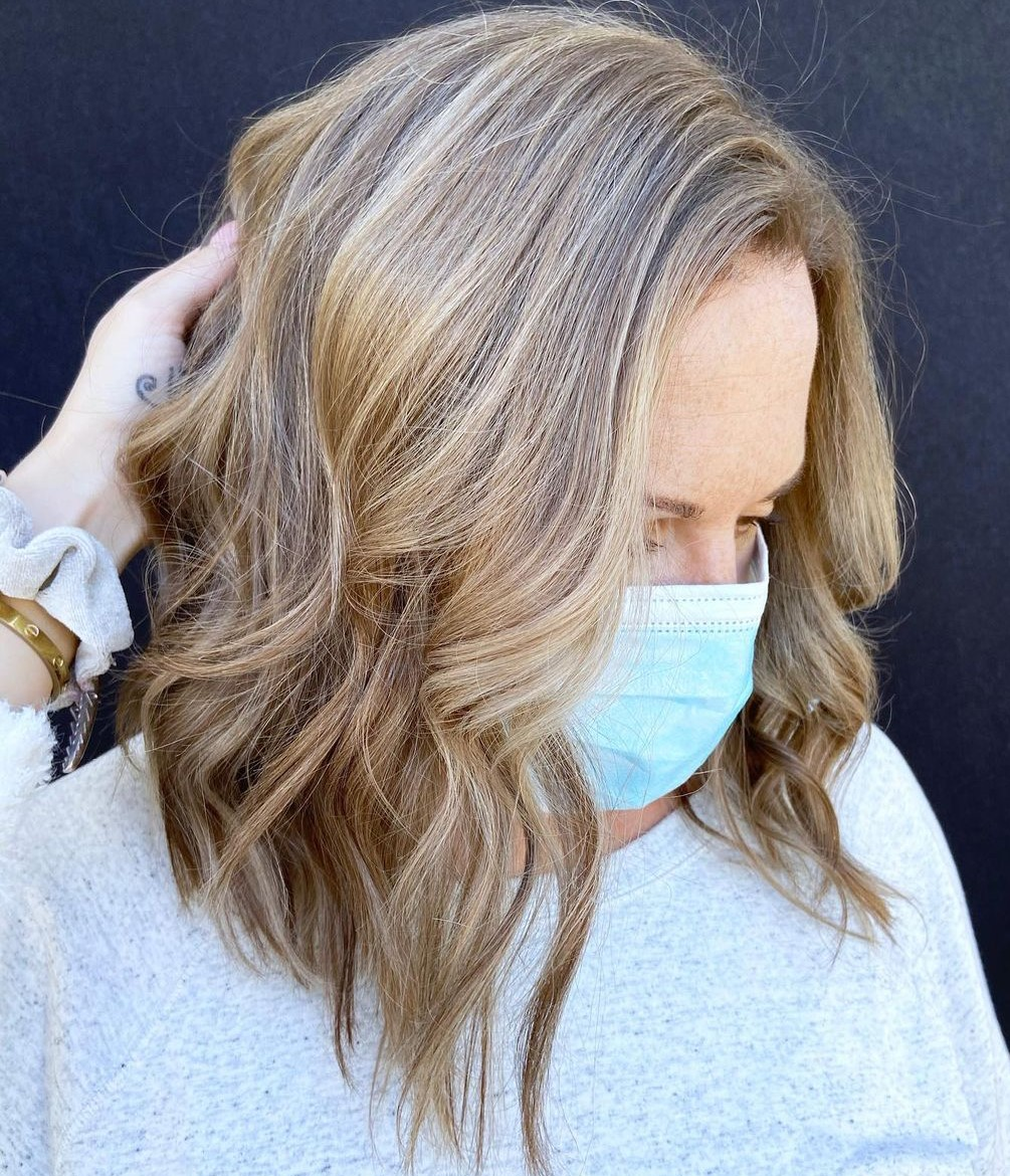 Inverted Bronde Lob with Beach Waves