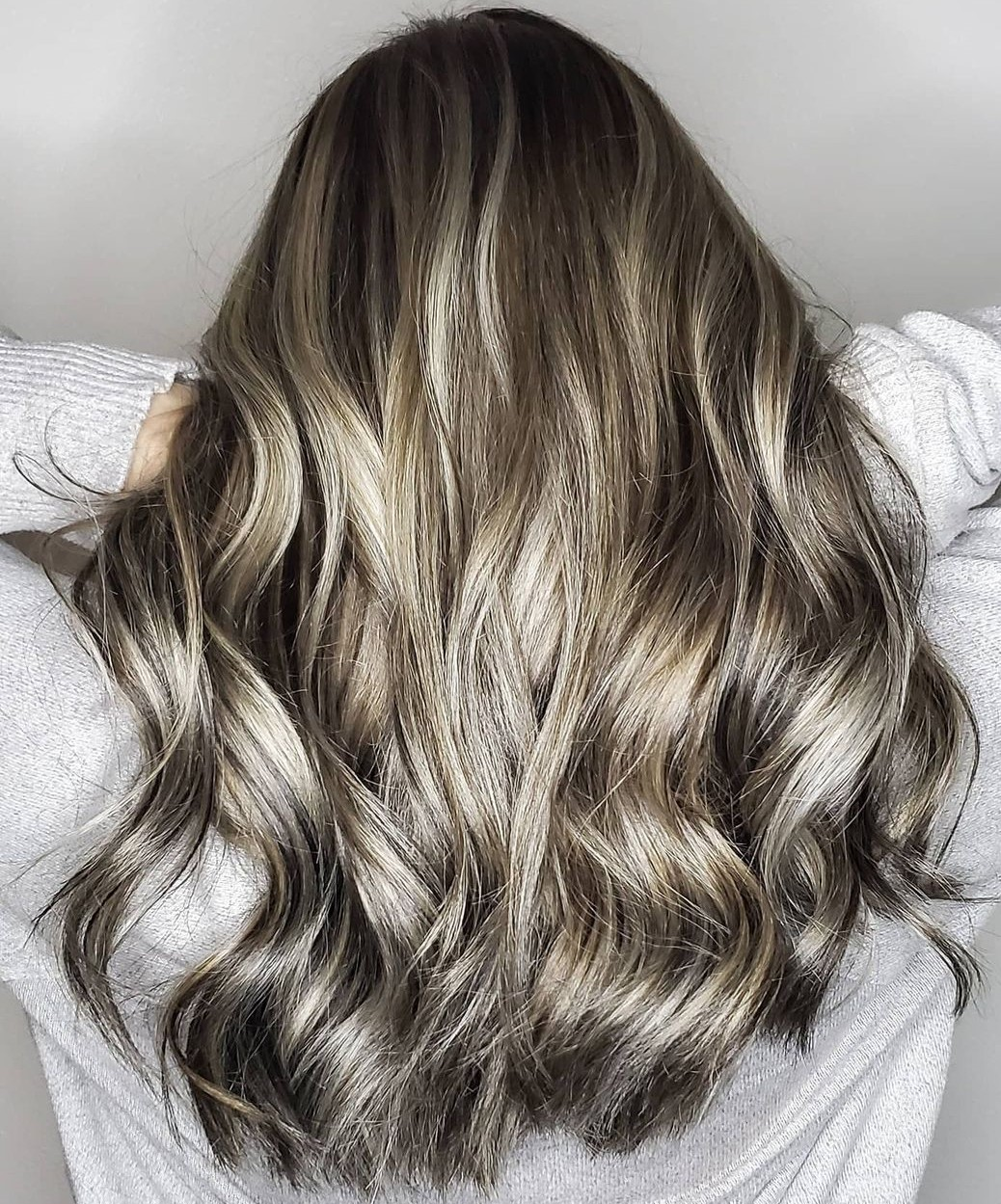 High-Shine Gold and Silver Highlights