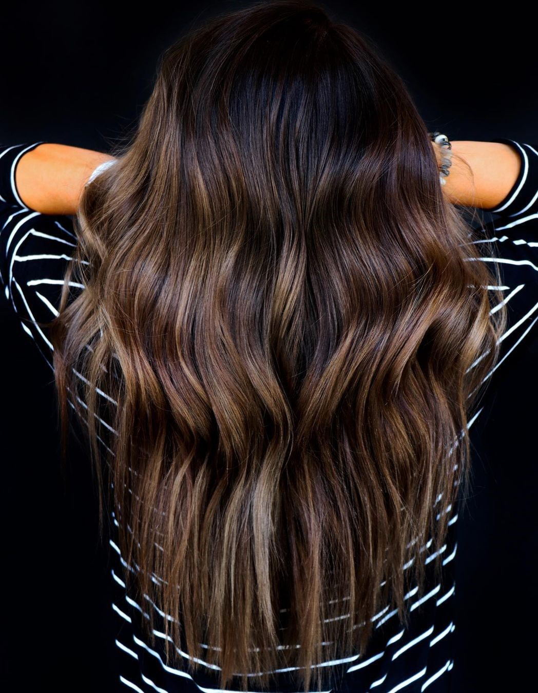 Edgy V-Cut with Waves