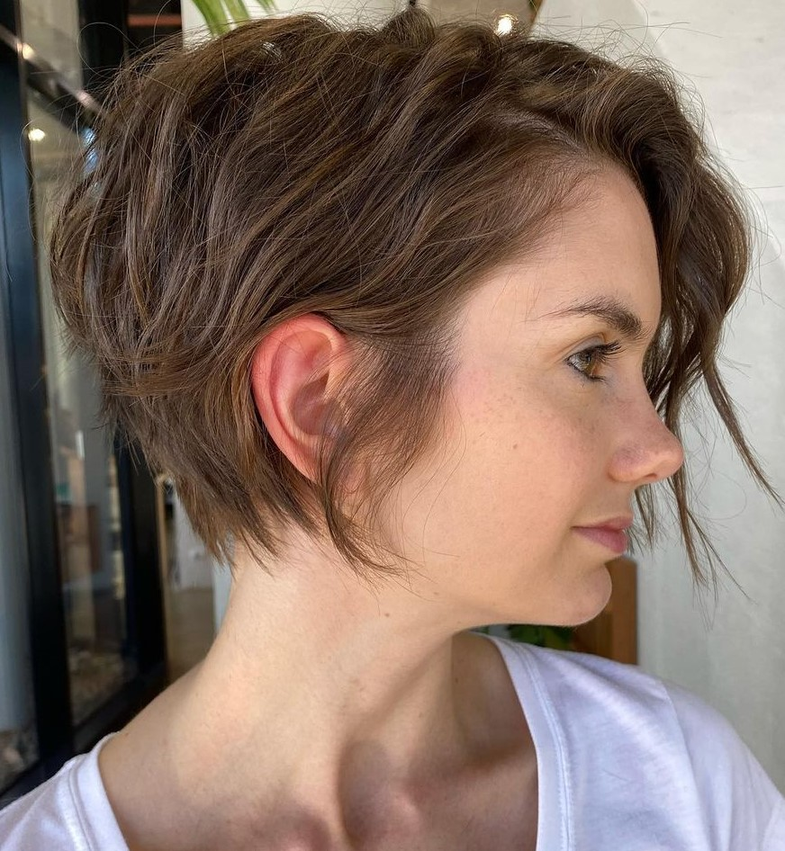 Long Asymmetrical Pixie with Messy Waves