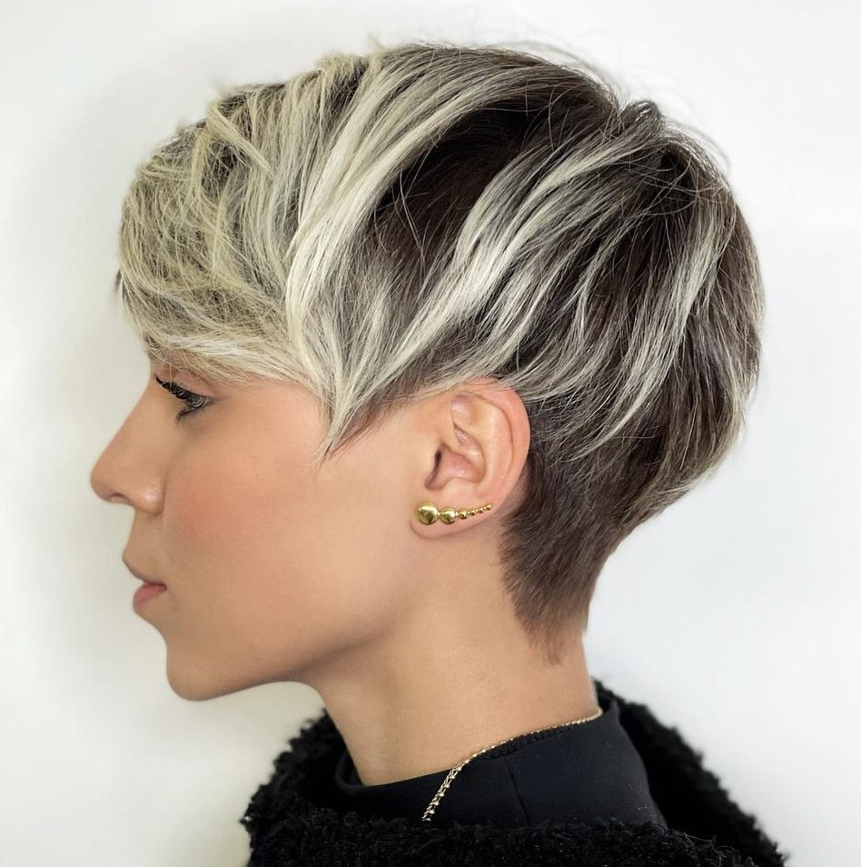 Frosted Highlights for Short Hair