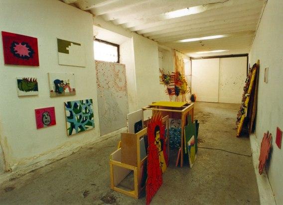 Pintura de mierda, sala Abysal, Bilbao. 2000.