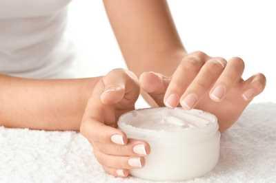 http://todo-en-salud.com/wp-content/uploads/2013/07/Cremas-para-cuidar-las-Manos.jpg