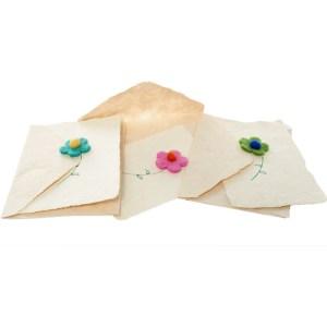 Filzblume mit naturpapier