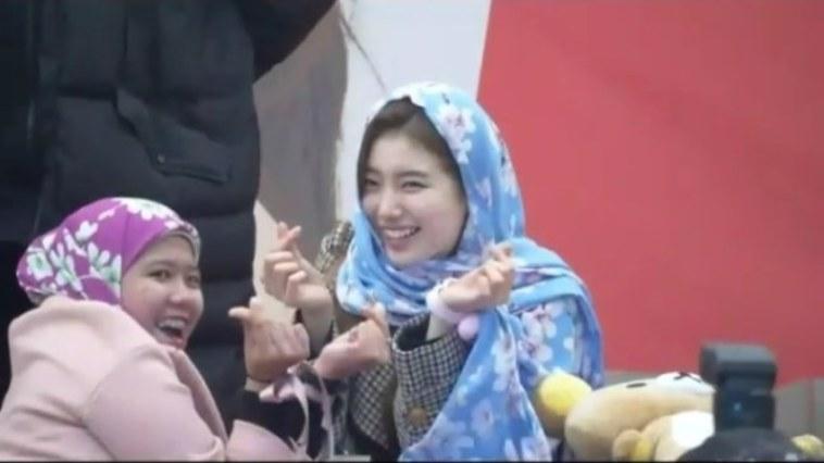 Bikin meleleh, cantiknya Bae Suzy pakai kerudung pemberian fans asal Indonesia