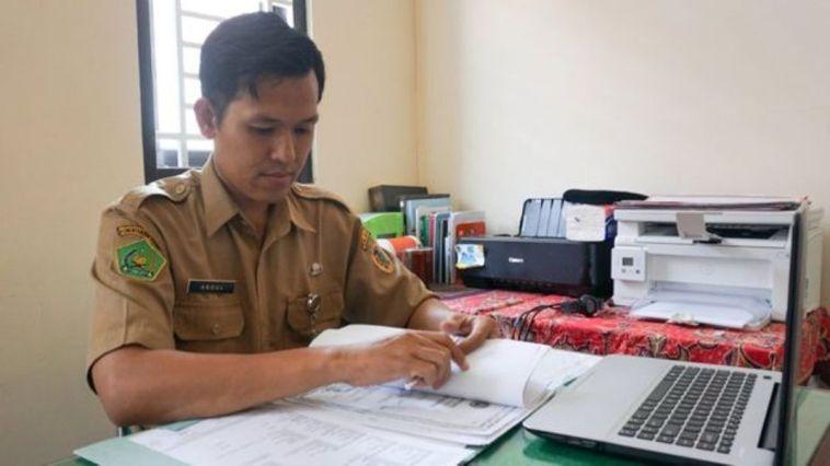 Ini Abdurrahman Muhammad Bakri, Penghulu KUA Trucuk yang rajin laporkan gratifikasi