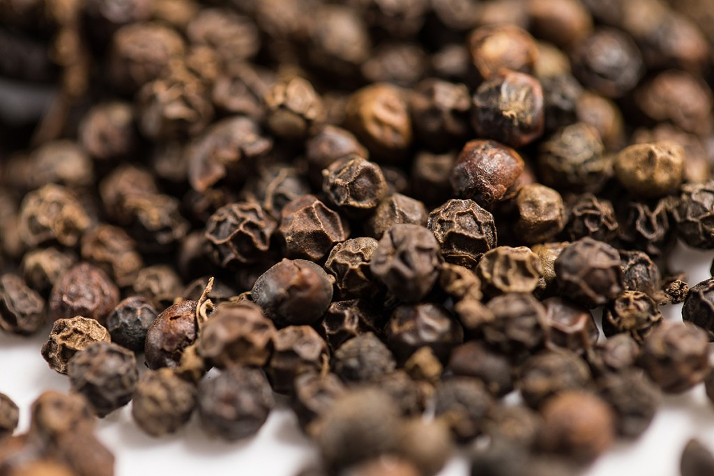 Supercritical CO2 extraction of black pepper essential oil