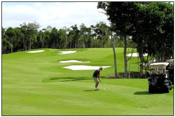 Riviera Maya Golf Club, Robert Trent Jones II 18 Hole Championship Golf Course