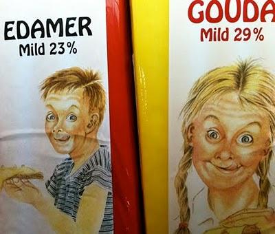 Tecknade bilder på barn som äter ost