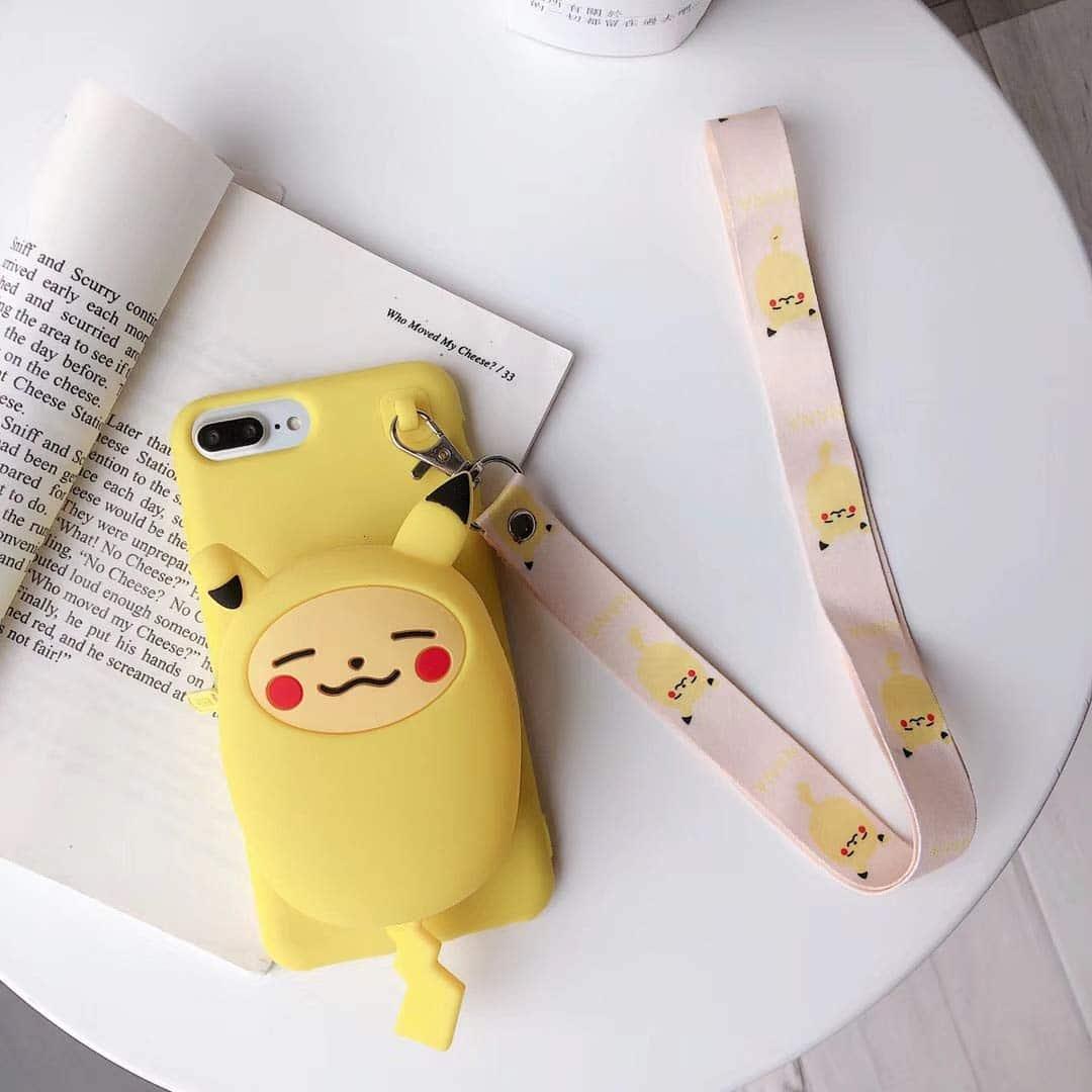 ポケットモンスター ピカチュウ シリコン ソフトケース スタンド ウォレット 機能、ストラップ付き (iPhone XR)