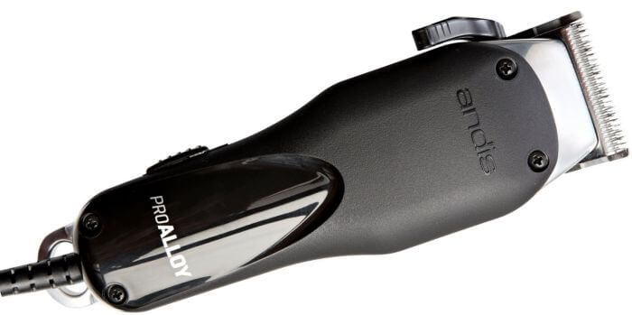 Made for professionals: the Pro Alloy XTR clipper is born to bring intense hair cutting action to the table.