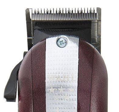 Our Wahl 5 star Legend review takes a closer look at this Wahl barber clipper.