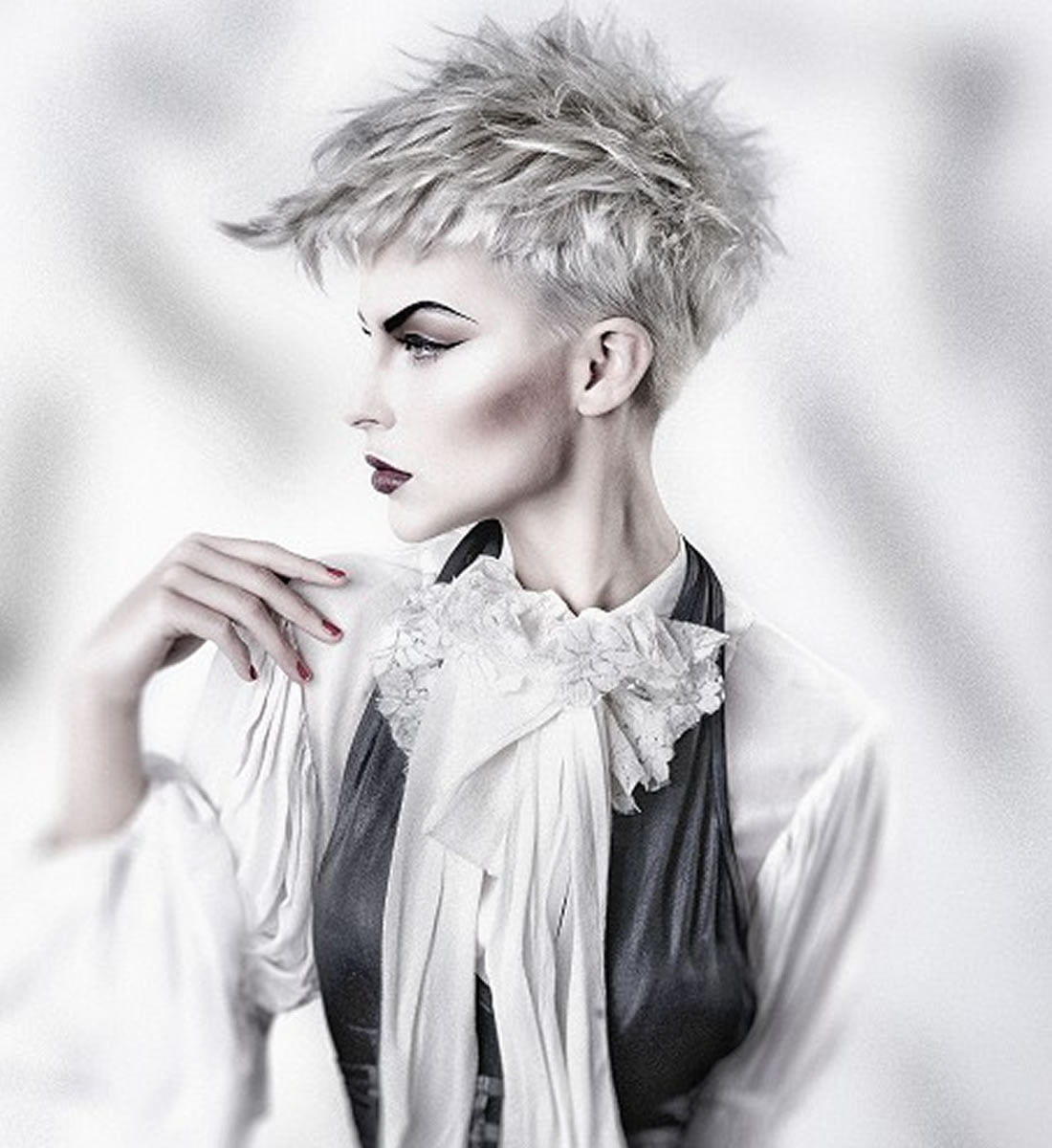 Platinum Blonde Hair Color Ideas For 2018 2019 Page 3 Of 5