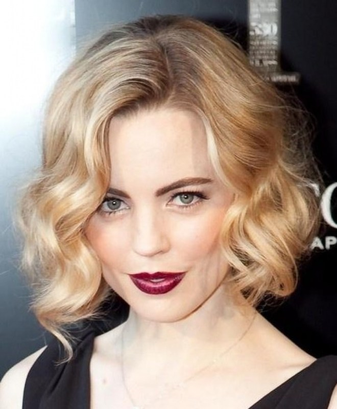 Soft Blonde Wavy Hairstyle