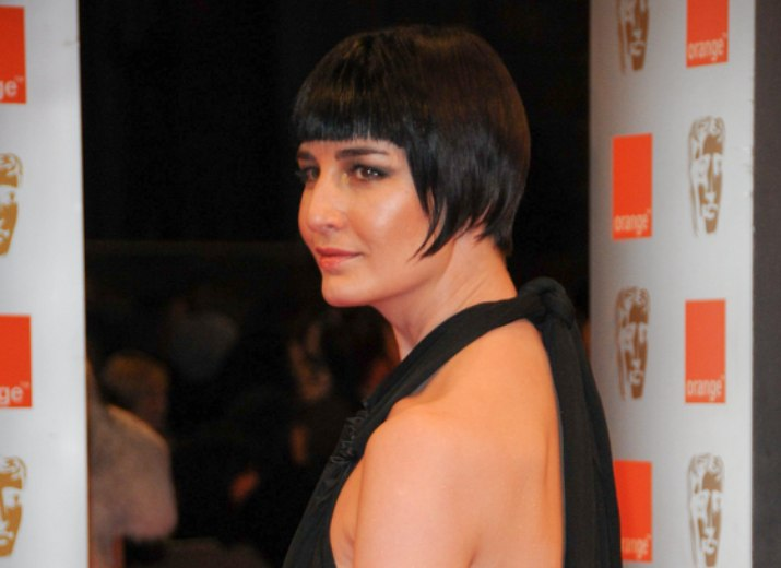 Erin OConnors With Her Hair In A Traditional Short Bob
