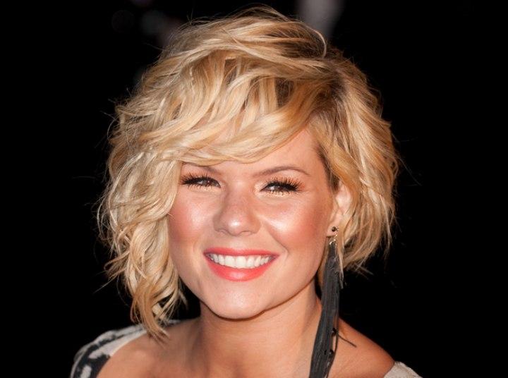 Kimberly Caldwells Short Asymmetrical Haircut With One
