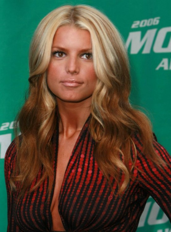 Jessica Simpson With Long Foiled Hair Blonde With