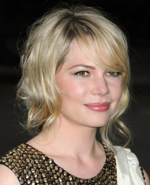 Michelle Williams Medium Long Hairstyle For A Tender