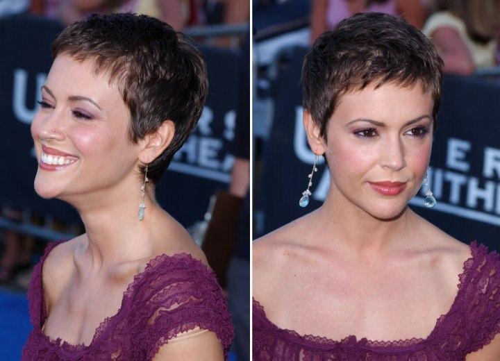 Alyssa Milanos Pixie Very Short Haircut To Keep The