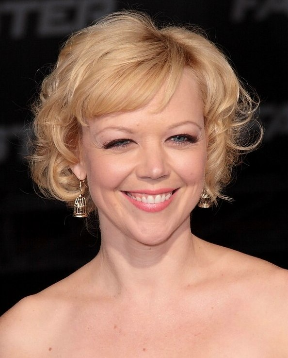 Emily Bergls Hair In A Short Blonde 1960s Hairstyle With
