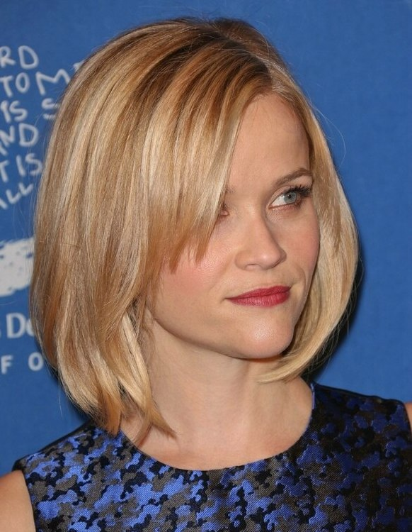 Reese Witherspoon Blonde Hair In A Longer Bob With Side