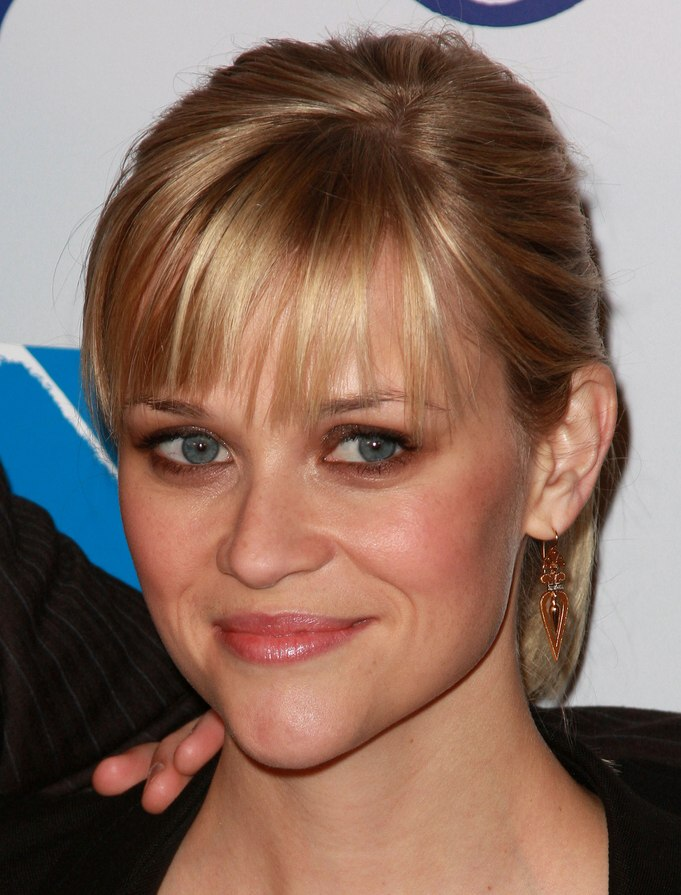 Reese Witherspoons Young And Fresh Ponytail With Straight