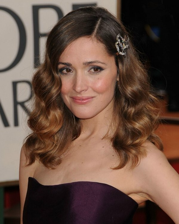 Rose Byrne Wearing Her Long Hair With A Large Side Barrette