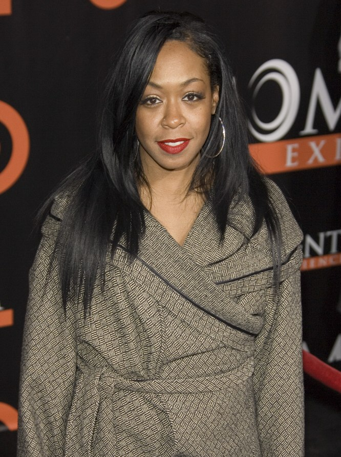 Tichina Arnolds Long And Layered Hairstyle With