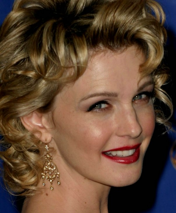Kathryn Morris With Her Hair In A Trendy Curly Shag