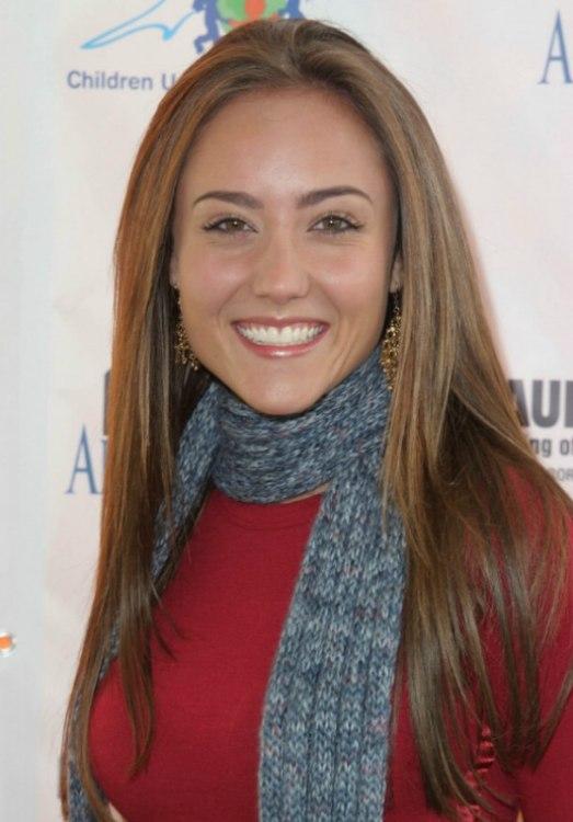 Lauren C Mayhews Natural Look With Long And Sleek Center