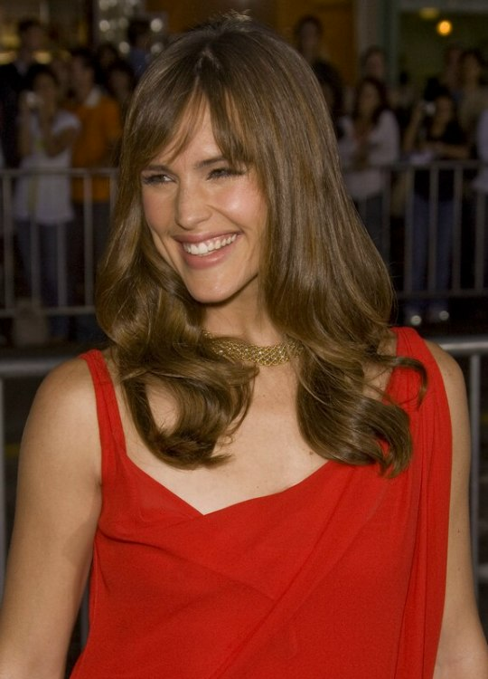 Jennifer Garner Wearing Her Hair Long With Curls And An