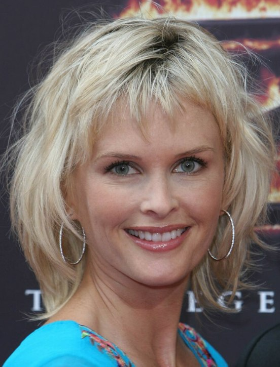 Kylie Bax Medium Length Hairstyle With Short Bangs For