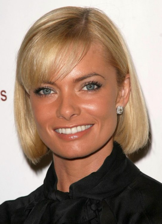 Jaime Presslys Trendy Bob Hair Style With Side Swept Bangs