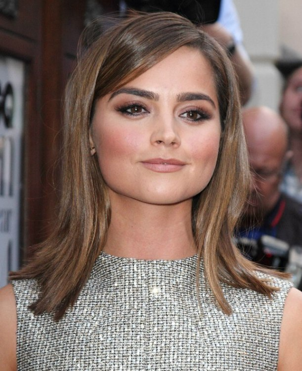Jenna Colemans Smooth Shoulder Length Hair With An