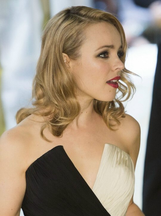 Rachel McAdams With Her Long Blonde Hair Styled Into