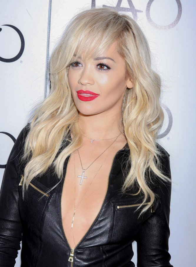 Rita Ora Long Hairstyle With Loose Waves And Hair Extensions
