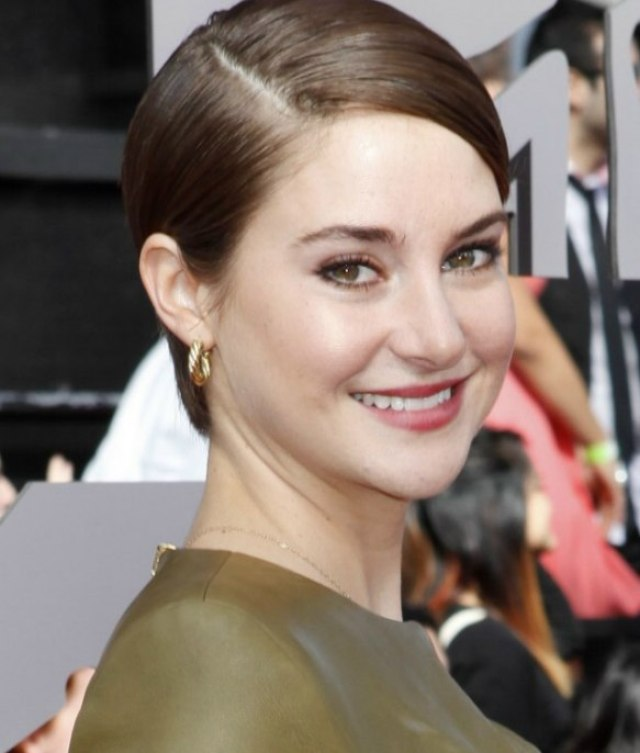 shailene woodley wearing her short hair simple and slicked