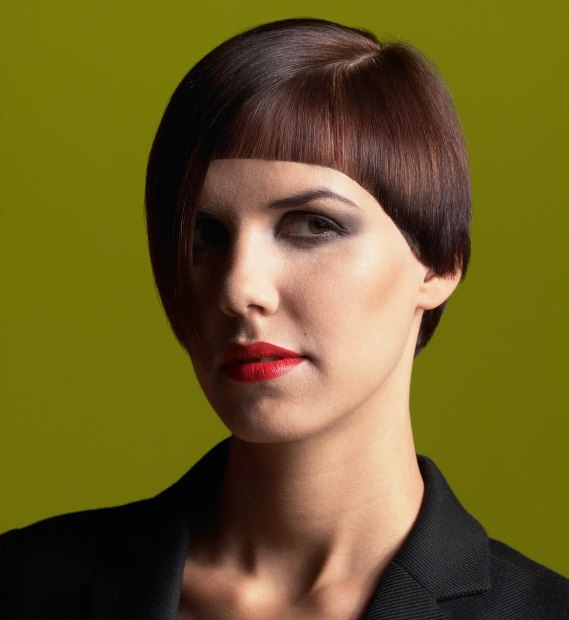 Fashionable Short Hairstyle With Convex And Concave Shapes