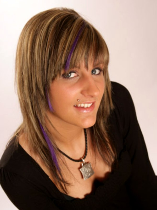 Layered Haircut For Fine Hair And Brush On Hair Color