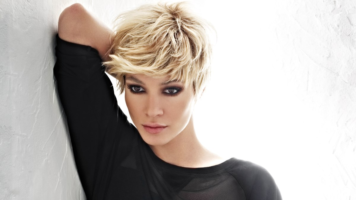Blonde Pixie With Bangs And Irregular Lengths