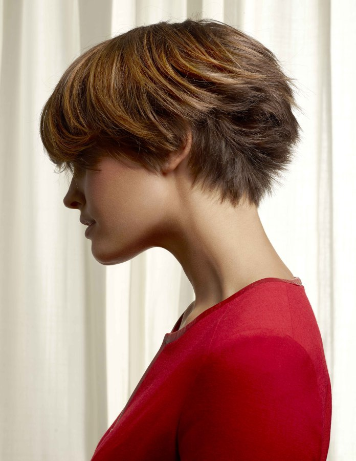 Low Maintenance Short Hair Cut With A Feathery Texture In