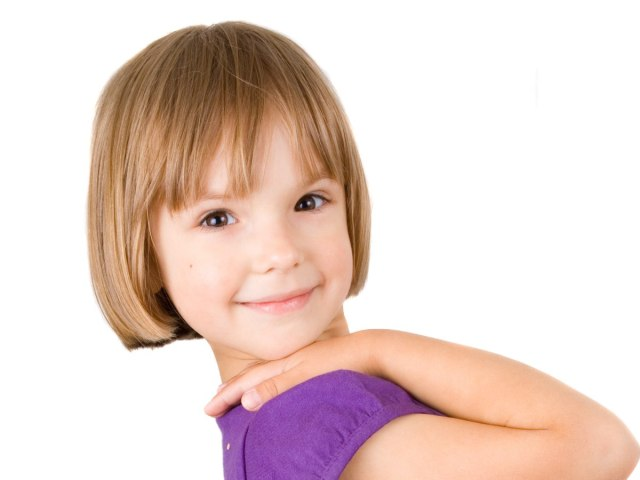 between earlobe and chin bob with bangs for little girls