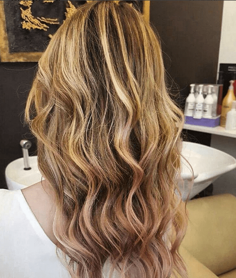 add9c7f2e9159 25 Rose Gold Hair Highlights Ideas From Instagram