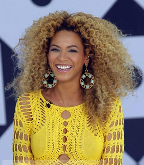 Chic Beyonce Knowles Wig Lace Front Long Curly Blonde