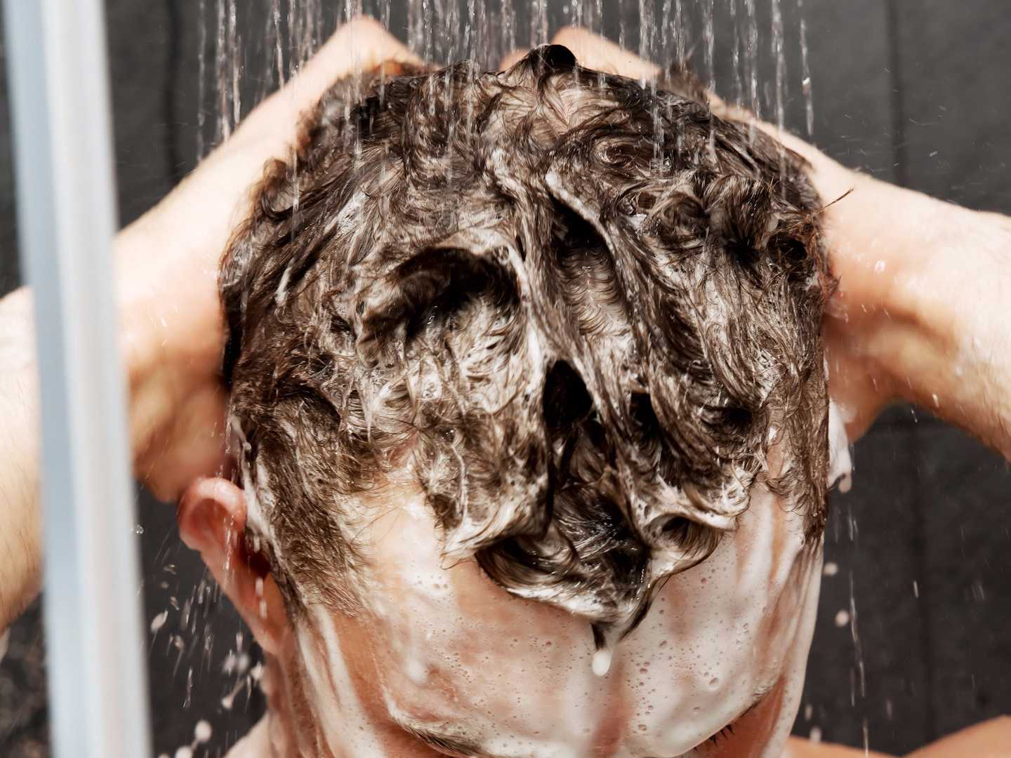 this-is-how-often-guys-should-wash-their-hair