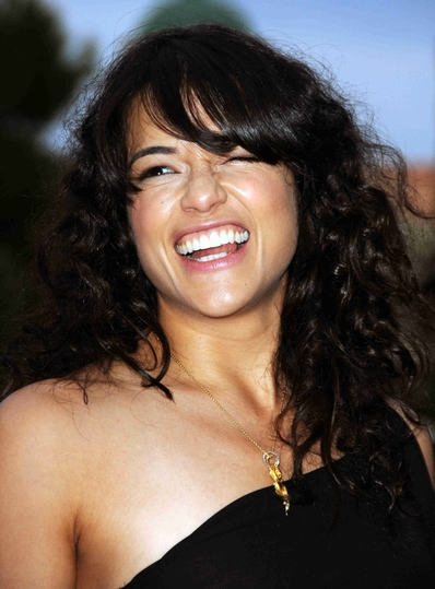 Michelle Rodriguez Curly Hairstyle