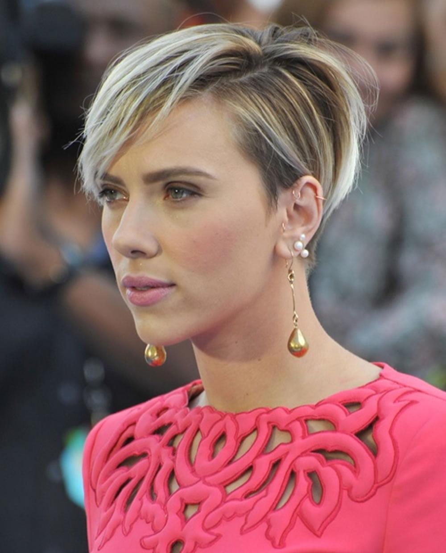 Scarlett Johanssons Hairstyles 2018 Amp BobPixie Haircuts