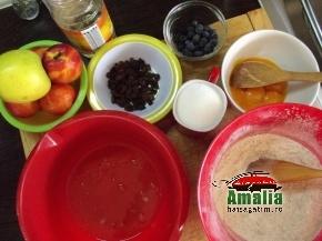 Prajitura cu nuca si fructe 1